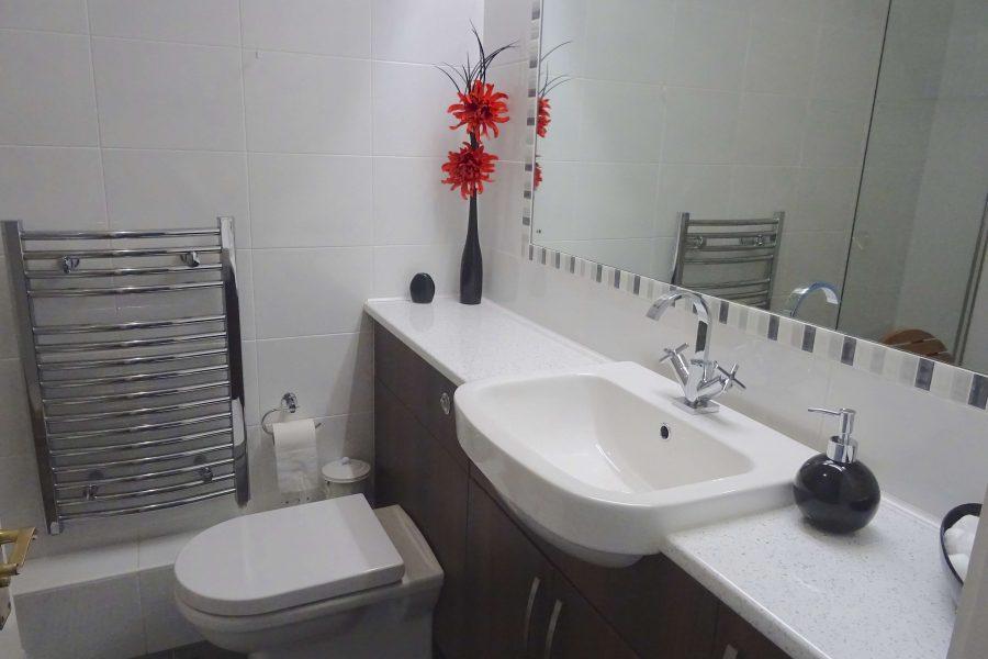 anchorage-port-pendennis Bathroom