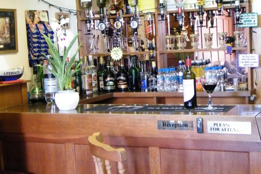 Tudor Court - Bar